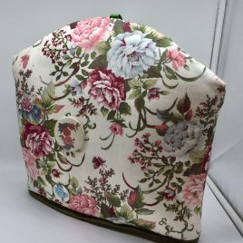 Josh Styling – Tea cosi – Classic Flowers