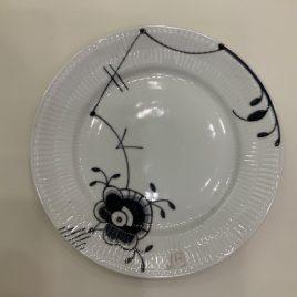 royal copenhagen  – mega black – black fluted – plate 22 cm –